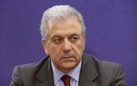 Δ. Αβραμόπουλος: Η παρέλαση θα γίνει κανονικά. -«Από την ώρα που γίνονται οι στρατιωτικές παρελάσεις αυτές θα γίνονται με δόξα και τιμή»